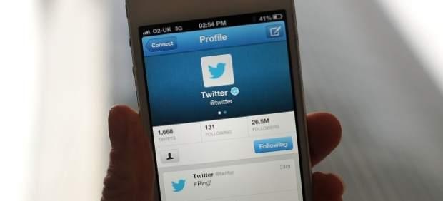 Twitter permite subir hasta cuatro fotografías en un tuit y etiquetar a otros usuarios