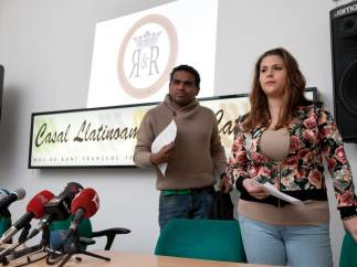 Víctor Hugo Alcívar y Judith Ramos, miembros de la asociación Reyes y Reinas Latinos de Cataluña, adscrita a Fedelatina.