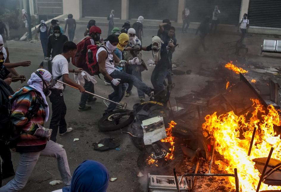 Barricadas contra el gobierno de Maduro