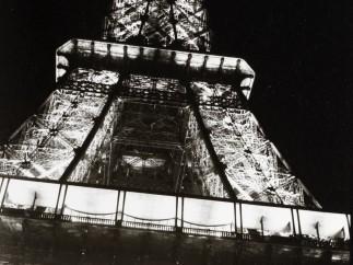 Ohne Titel [Paris - Eifelturm], 1937