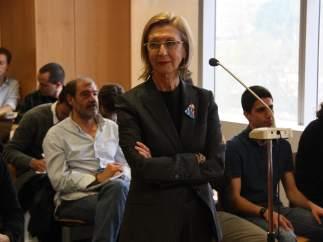 La líder de UPyD, Rosa Díez, en el momento de su declaración en los juzgados de Sabadell.