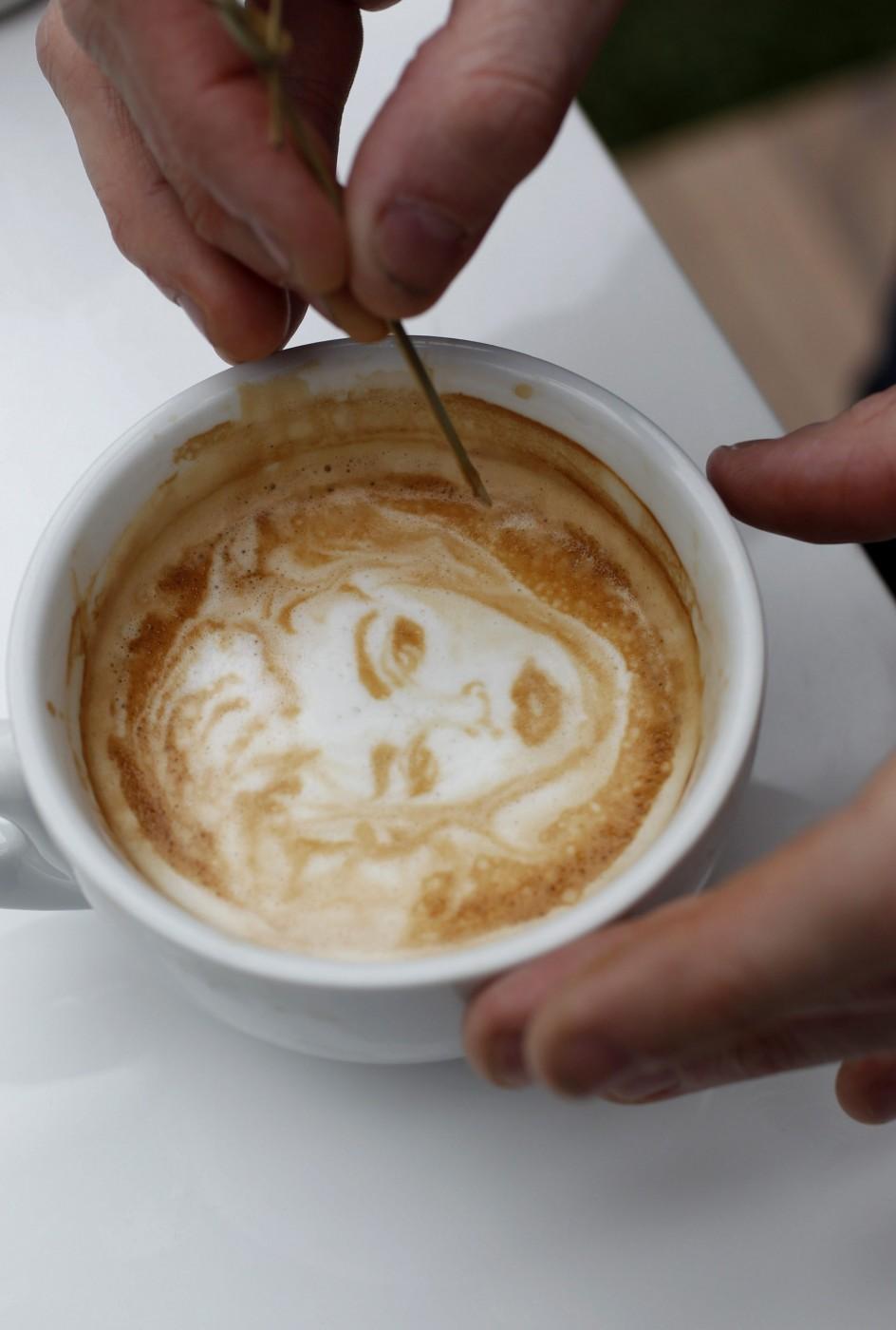 Arte en la crema del café