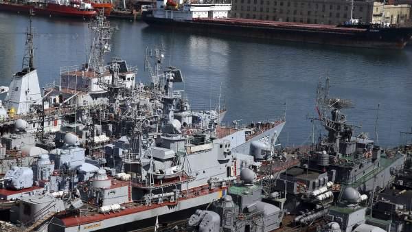 Tropas rusas asaltan en Crimea uno de los últimos buques leales al Ejército de Ucrania