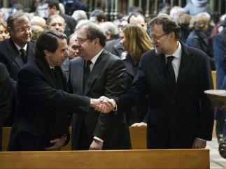 Saludo de Aznar y Mariano Rajoy