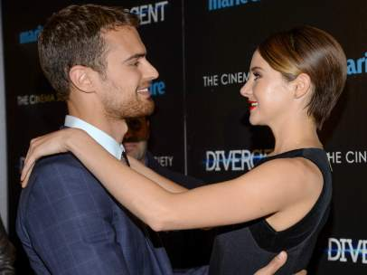 Theo James y Shailene Woodley