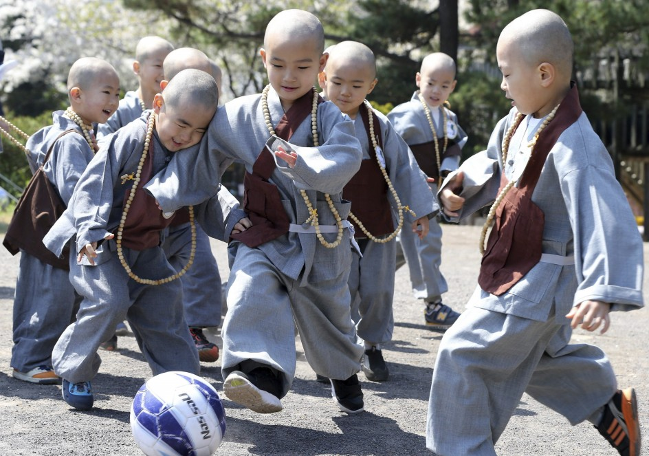 Juegos en el templo de Jeju