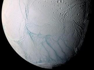 Imagen real del satélite Encéladus, de Saturno