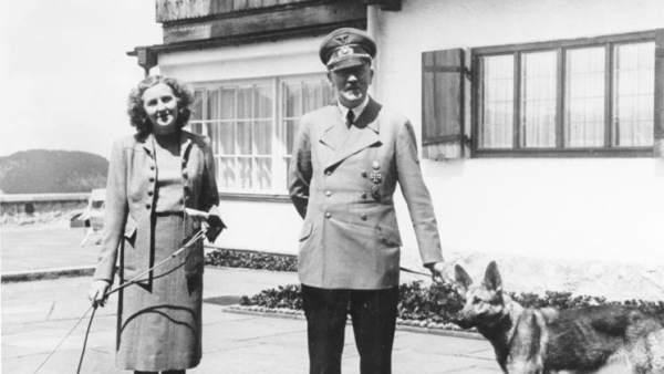Eva Braun, con Hitler