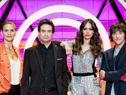 Los cocineros de 'MasterChef' Pepe Rodríguez, Jordi Cruz y Samantha Vallejo-Nágera con la presentadora Eva González