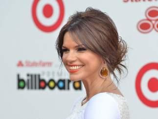 La presentadora Rashel Diaz posa a su llegada a los premios Billboard