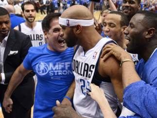 Mark Cuban y Vince Carter