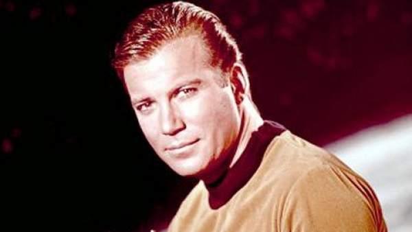 William Shatner, como el capitán Kirk.
