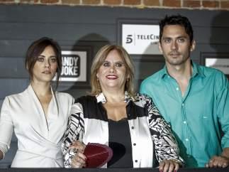 En la imagen Paco León junLa familia León, en el preestreno de 'Carmina y amén'.