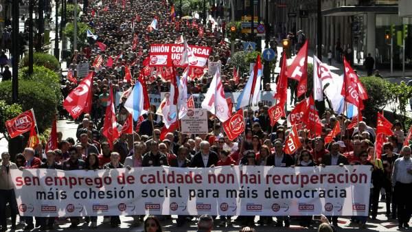 Marcha en Vigo por el Día del Trabajo