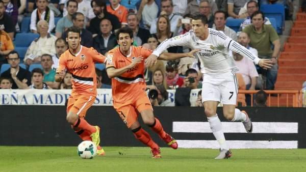 El Real Madrid empata ante el Valencia y la Liga sigue en manos del Atlético de Madrid