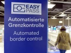 CE propone relajar los motivos para reintroducir visados a terceros países