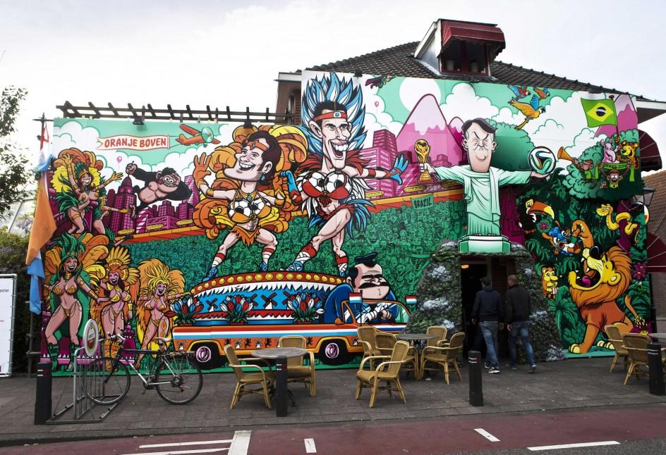 Los bares holandeses se preparan para el mundial