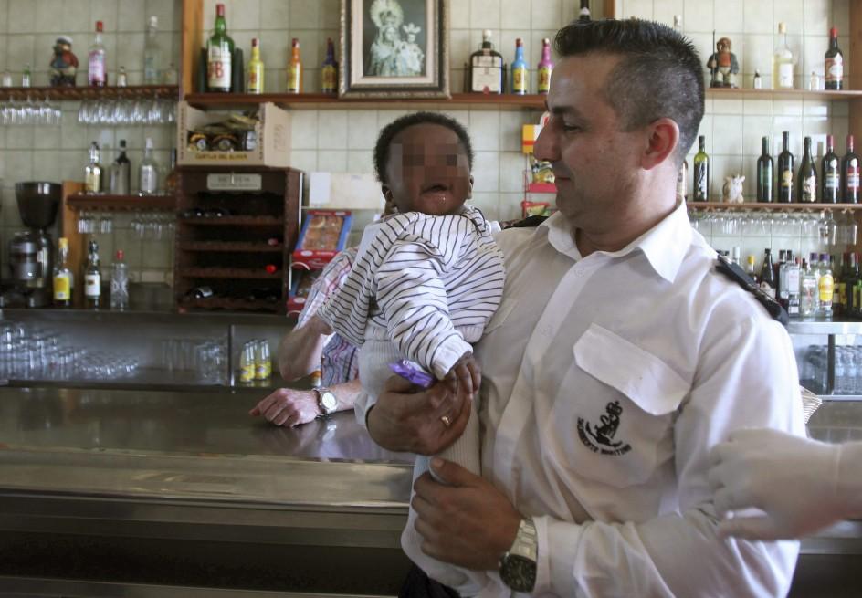 Rescatados doce inmigrantes cerca de Tarifa