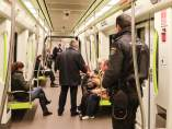 Policia en el metro