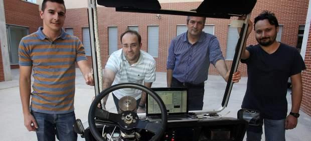 Cuatro ingenieros de Alicante desafían con un dispositivo al coche sin conductor de Google