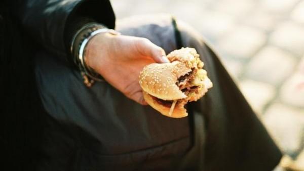 El consumo de comida rápida antes del embarazo eleva el riesgo de diabetes gestacional