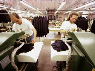 Trabajadores de una empresa textil
