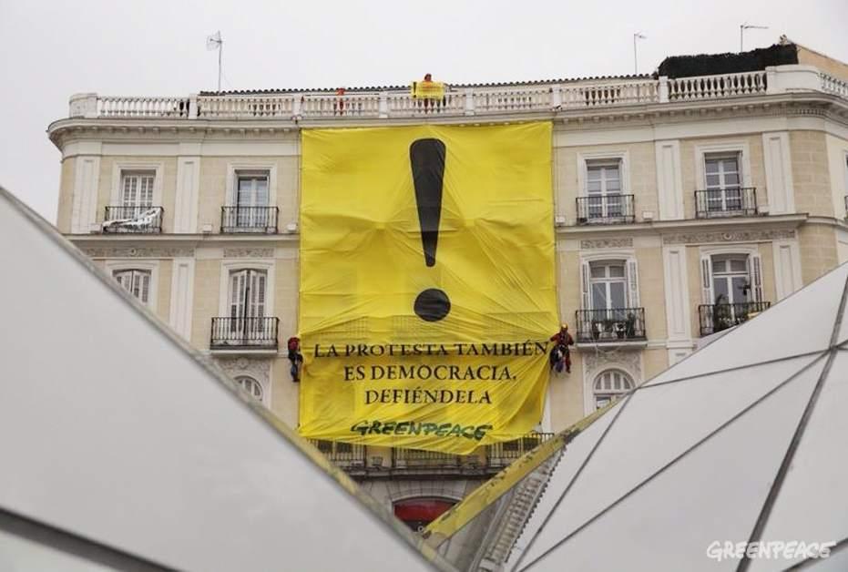 Acción de Greenpeace en la Puerta del Sol