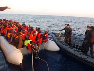 Rescate de inmigrantes en Italia