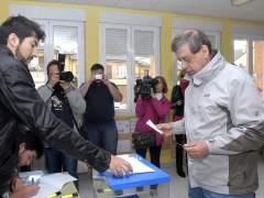 Francisco Sosa Wagner vota en Le�n