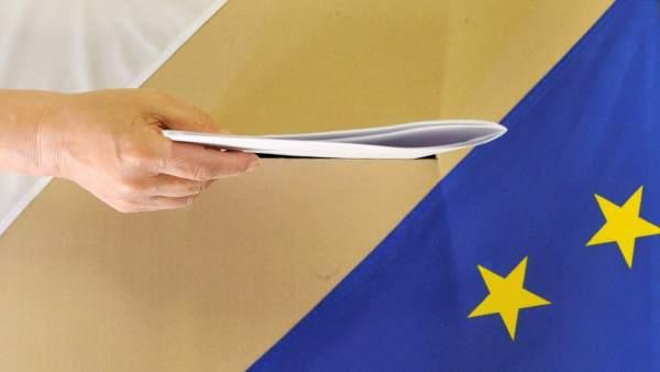Votando en Varsovia