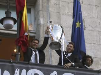 Casillas y Ramos, con la Décima