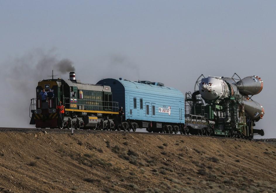 El soyuz viaja en tren