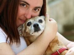Sonia Manyoses y su perro