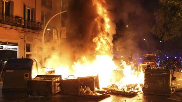 Noche de disturbios en Sants