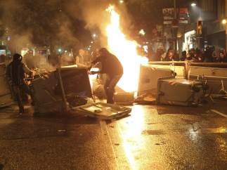 Disturbios en Sants tras el desalojo okupa
