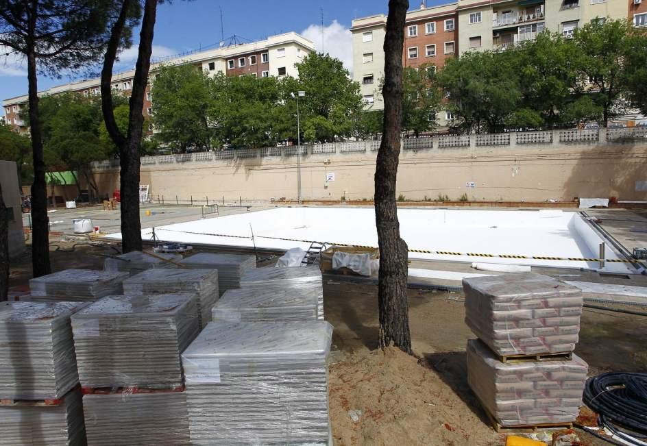La temporada de ba o llega con ocho distritos sin piscina for Piscinas verano madrid