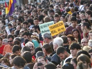 Pancartas en apoyo a la República y el referéndum