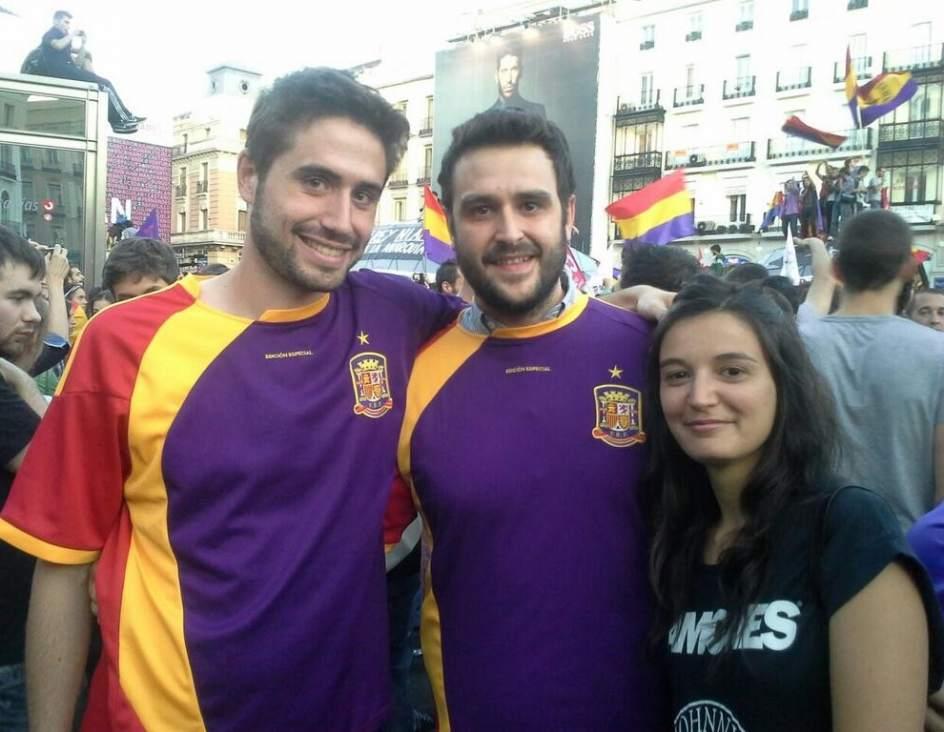 Foto  Camisetas tricolor de la Selección Española  2c2da0e672dd4