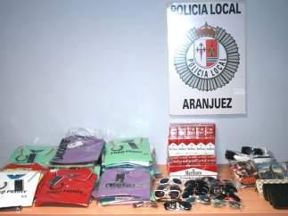 Productos falsificados intervenidos en el mercadillo