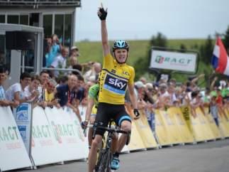 Chris Froome gana en el Col du Beal