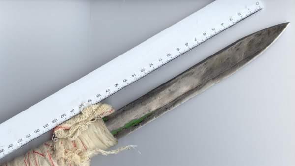 Un arma decomisada dentro de una prisión, lo que se llama 'pincho carcelario'