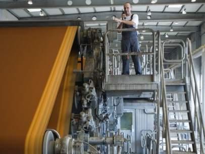 Obrero en una fábrica