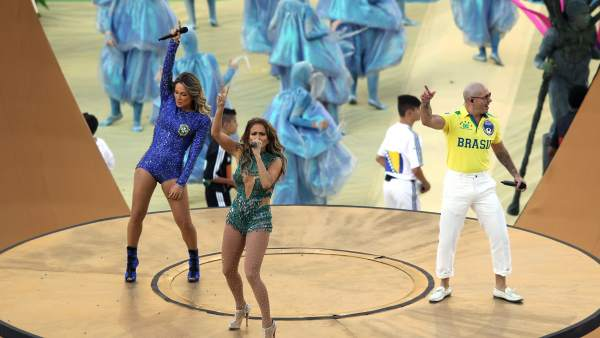 Pitbull, Jennifer López y Claudia Leitte