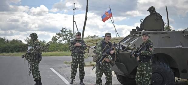 Las milicias separatistas prorrusas asaltan el aeropuerto de Donetsk, según Kiev