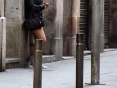 """Carmena pide a los periodistas llamar """"puteros"""" a los clientes de prostitución"""