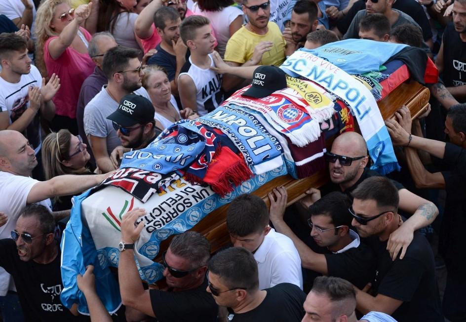 Funeral por Cirio Esposito, el aficionado del Nápoles asesinado