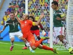 Penalti de Márquez a Robben