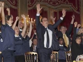 Hollande celebra la victoria de Francia
