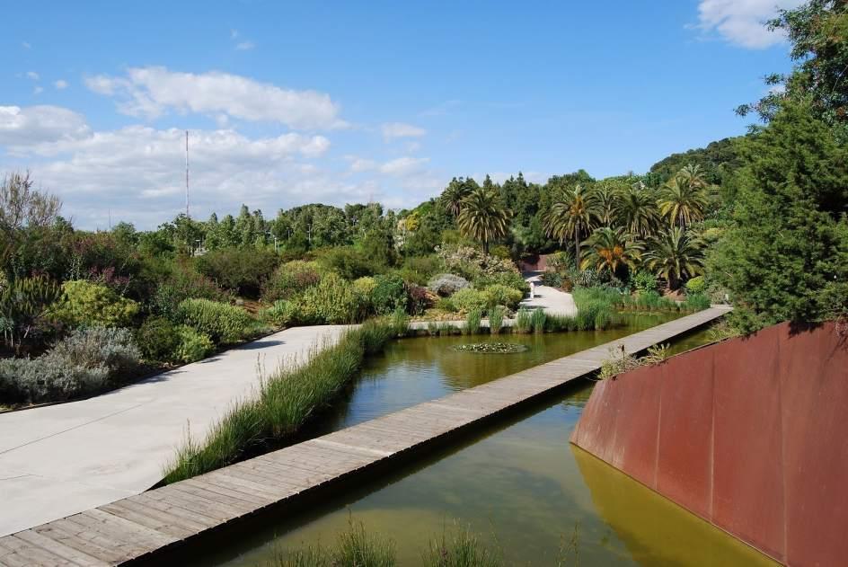 Cinco jardines bot nicos y urbanos de espa a para el for Barcelona jardin botanico