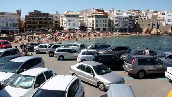 los municipios costeros sin zona azul en la playa ganan bañistas
